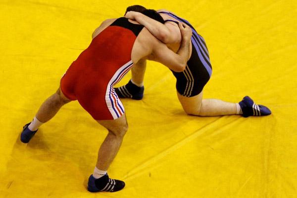 Jeux Olympiques: le lutteur Ara Abrahamian gagne et refuse la médaille de bronze et se montre très irrespectueux.