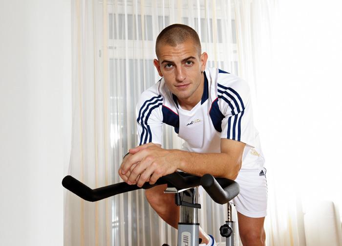 Mladen Petric    trainiert Ausdauer