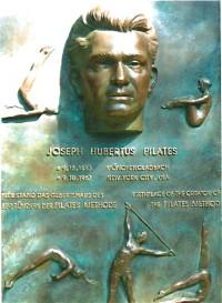 Joseph Pilates Denkmal in Mönchengladbach