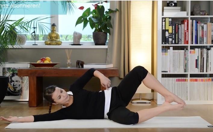 Video: Pilates Mattentraining für Anfänger - Körper straffen & formen
