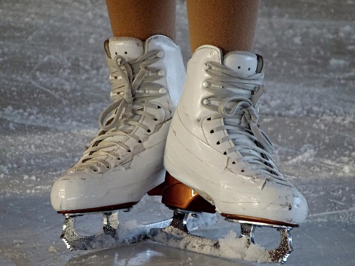 Schlittschuhlaufen als Jogging-Alternative: Macht die Eisfläche fit?