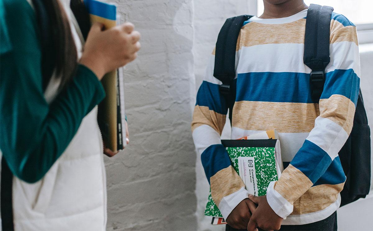 Kindergesundheit: Haltungsprobleme rechtzeitig vorbeugen mit der richtigen Schultasche