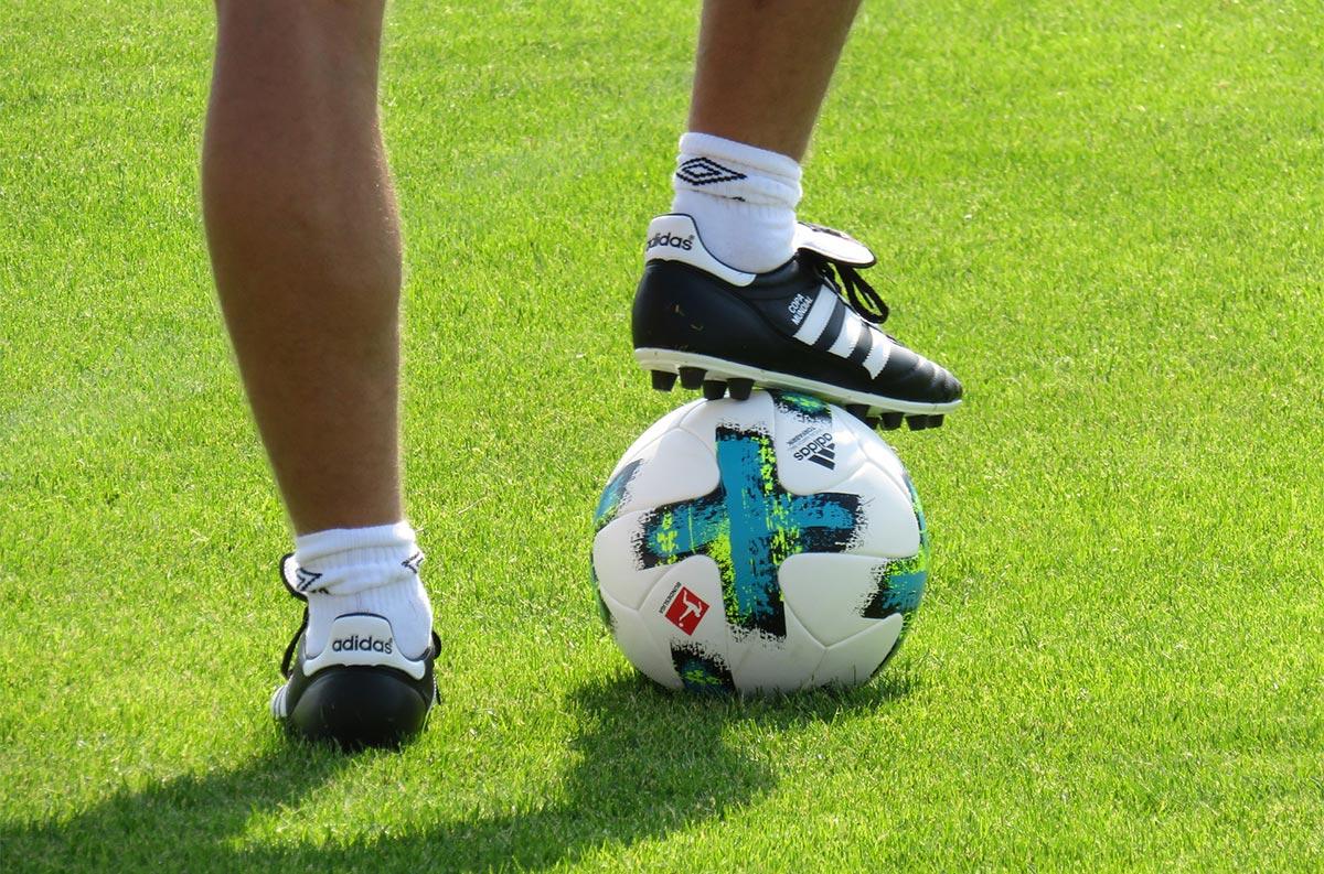 Warum sich Ausdauer- und Krafttraining für Fußballer lohnt