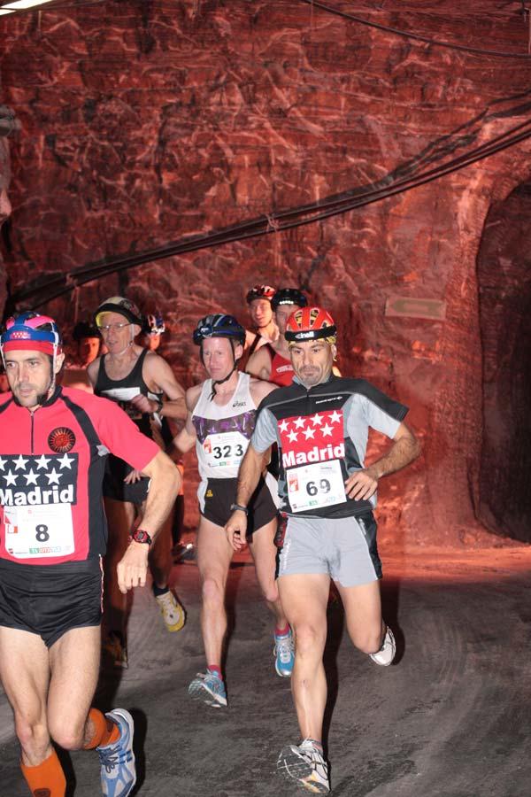 El maratón en la montaña salina Stollen – 700 metros bajo la tierra, no apto para cardíacos