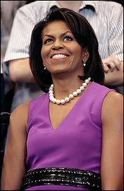Michelle Obama dicta una nueva moda para los brazos