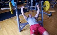Creación de un plan de entrenamiento para desarrollar músculos para principiantes