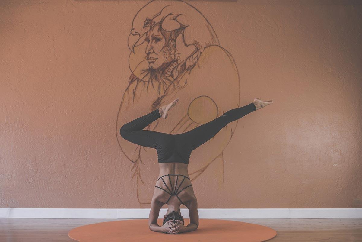 Yoga Guru Iyengar: Der Eroberer der Fitness Welt