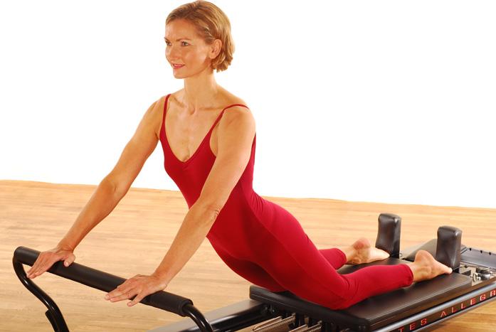Pilates-Training auf dem Allegro Reformer