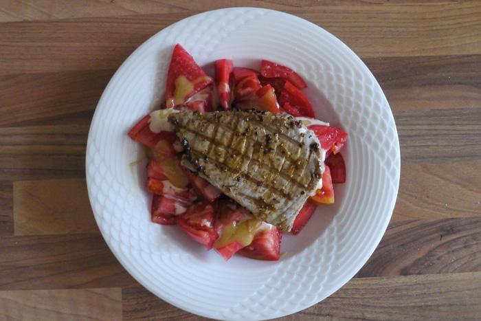 Fitness Fisch: Thunfisch mit Tomate-Orangen Salat