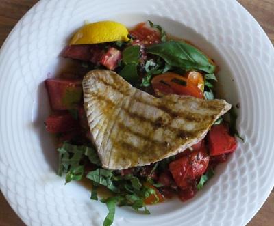 Thunfischsteaks mit scharfer Paprika