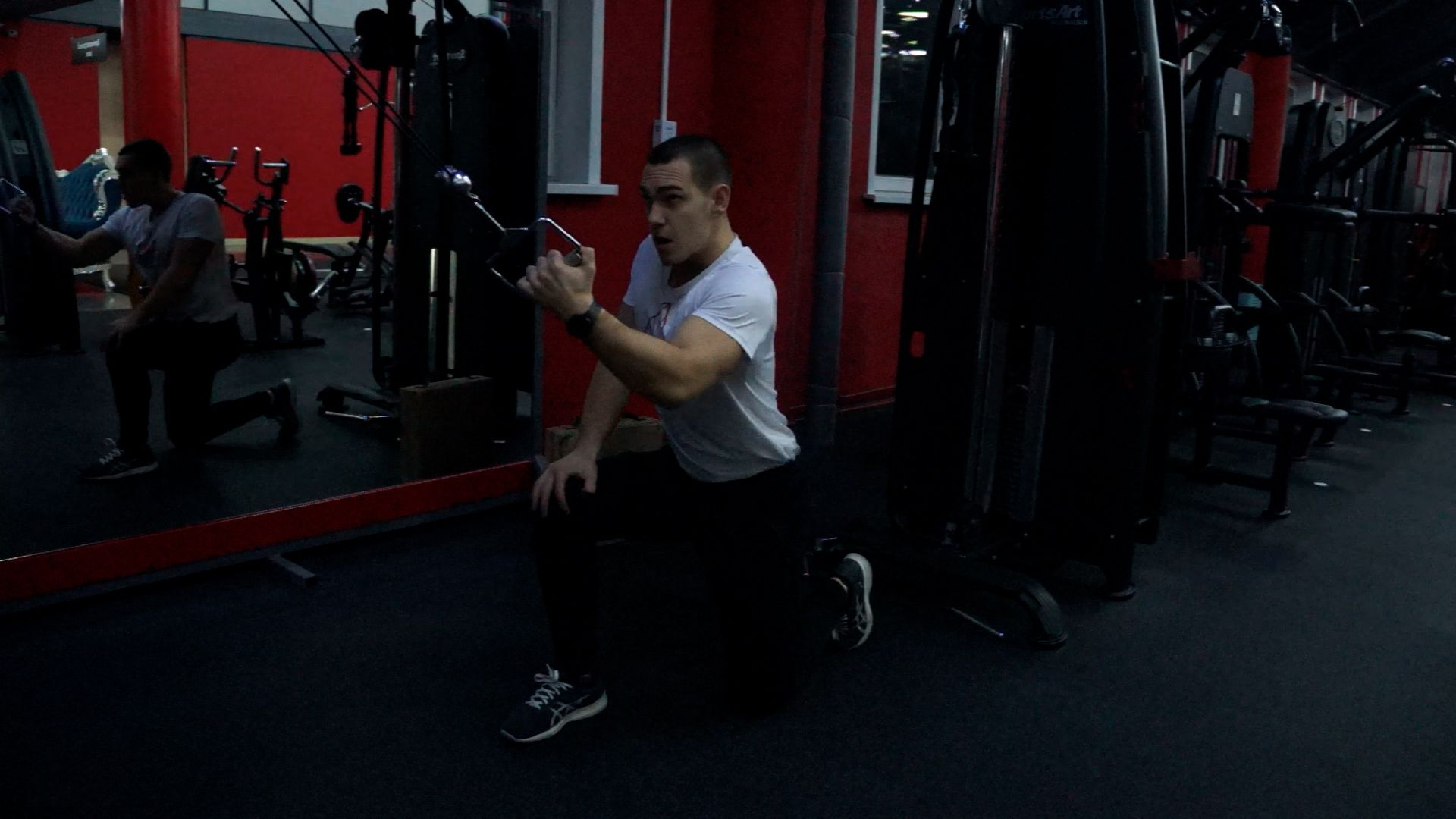 Alternating One-Arm Cable Row