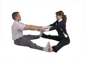 Etirement du dos avec partenaire