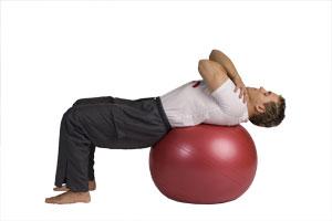 Contracción abdominal con bola grande