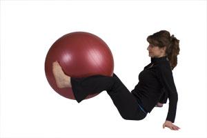 Crunch en position assise avec ballon