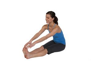 Estiramiento de musculos isquiotibiales sentado
