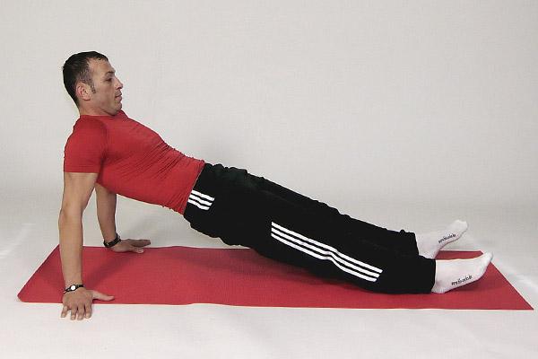 Epaules et hanches: flexion sur le dos
