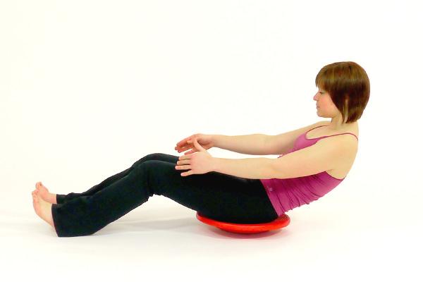 Crunches mit dem Balanceboard