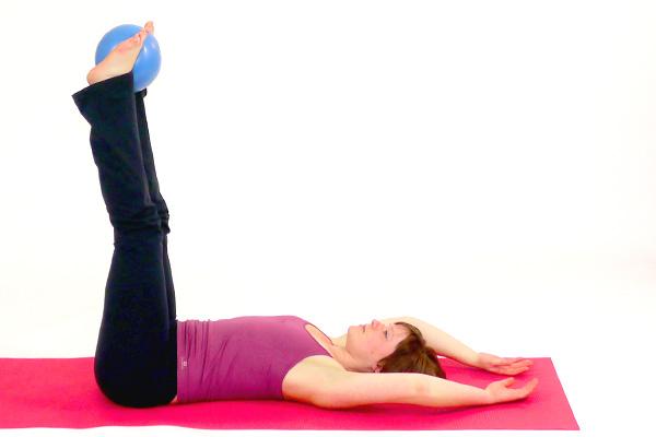Untere Bauchmuskeln mit dem Pilates Ball