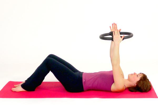 Tiefe Bauchmuskulatur + WS-Mobilisation Pilates Circle / Rin