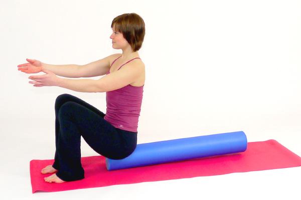 Übung: Tiefe Bauchmuskulatur mit dem Pilates Roller