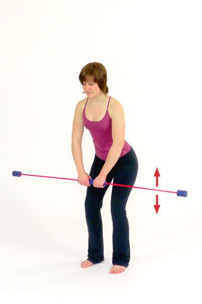 Übung mit dem Schwingstab für den oberen Rücken